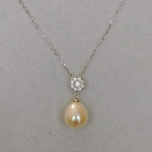 Jewelry - Pearl Sterling Pendent